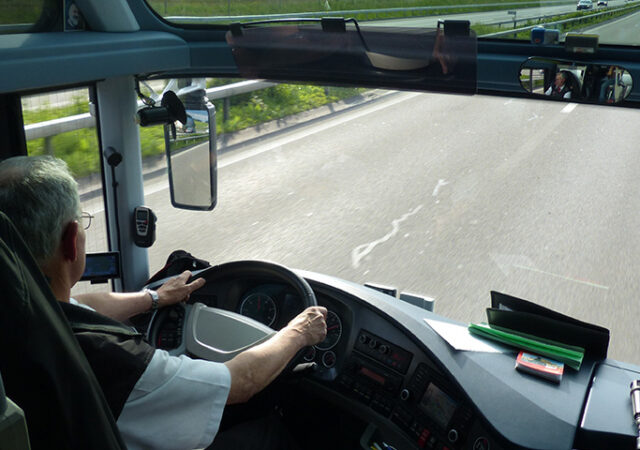 improving-vehicle-safety-on-road-and-on-site-2-kopieren