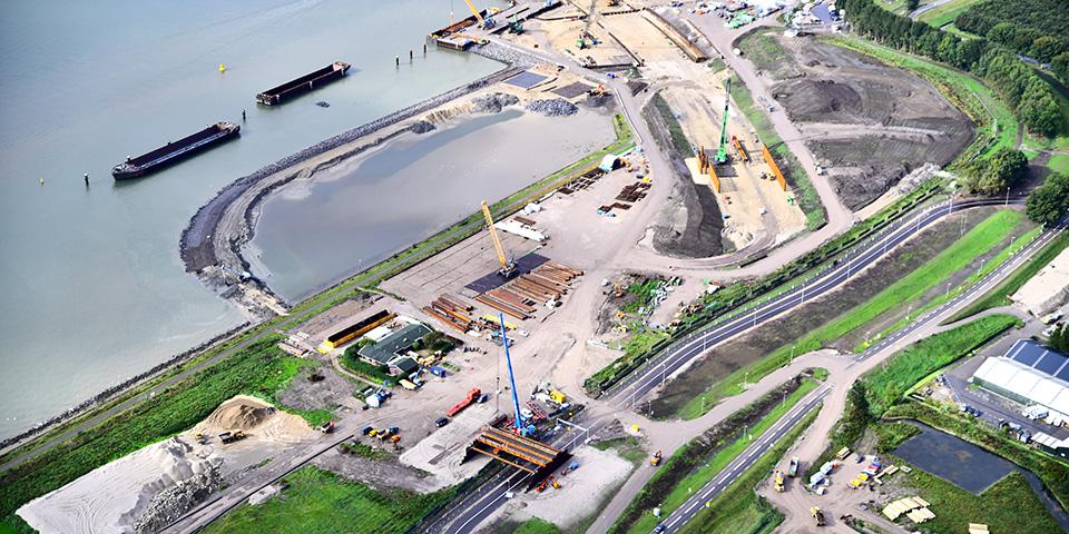 ko-mats-luchtfoto-project-blankenburgverbinding-de-noordelijke-toerit-van-de-maasdeltatunnel.